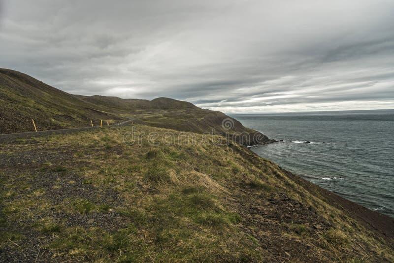 Побережье полуострова Trollaskagi стоковое изображение rf