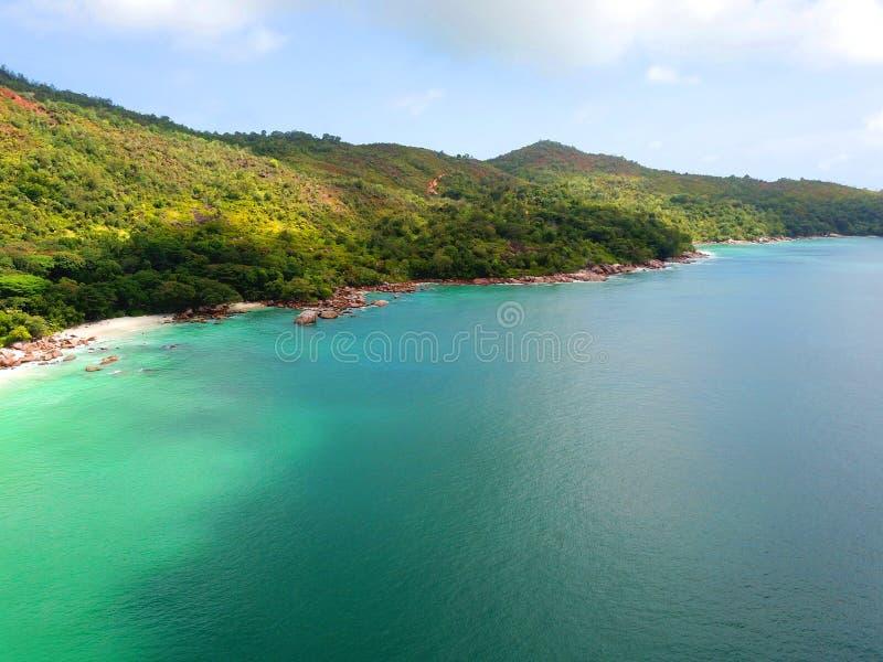 Побережье чудесного острова Praslin стоковые фотографии rf