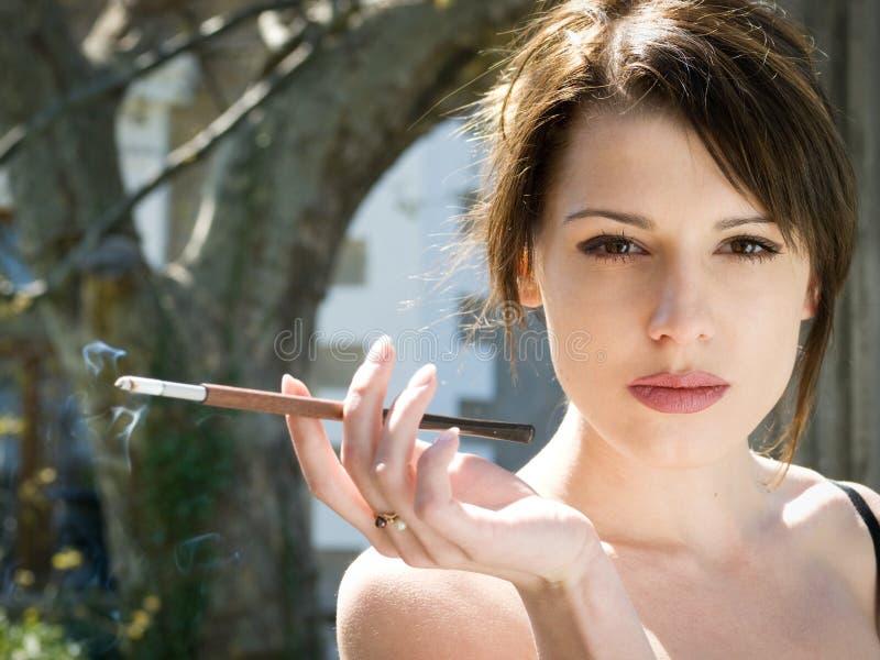 повелительница сигареты стоковые изображения rf