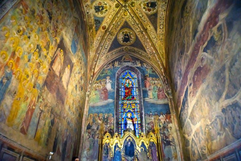 Повесть Флоренс Италия Santa Maria часовни Strozzi фресок Altarpiece стоковые фото