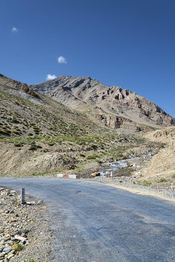 Поворот дороги горы стоковое фото rf