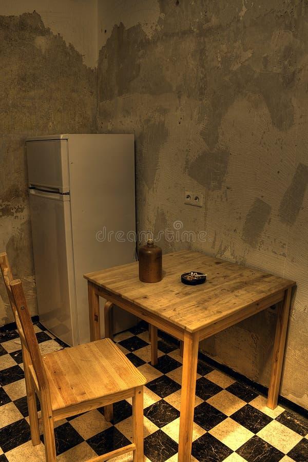 поврежденная вода кухни стоковое фото rf