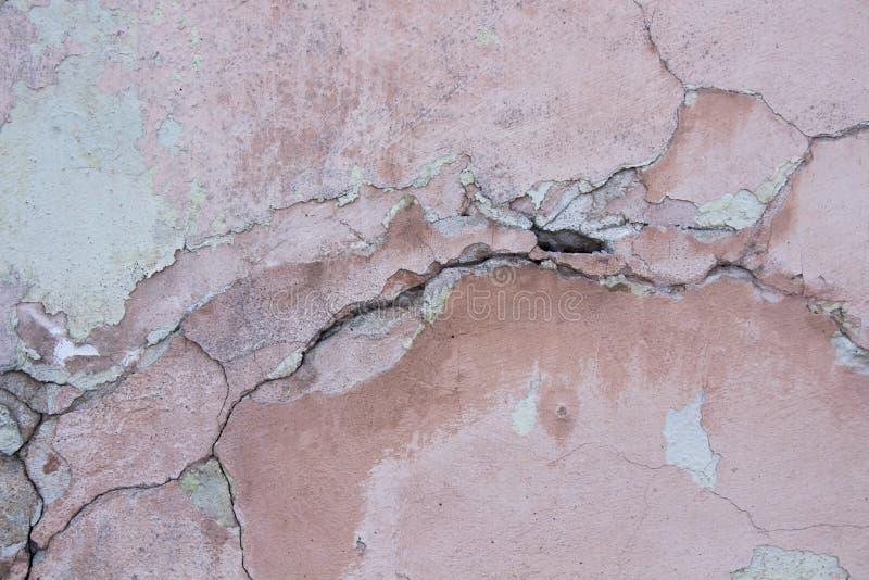 Поврежденная годом сбора винограда розовая текстура стены стоковое фото