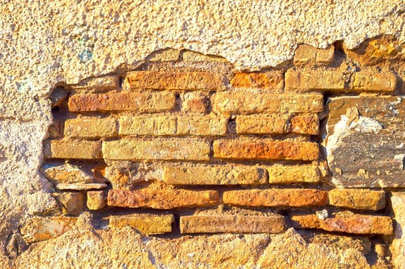 поврежденная стена стоковое фото
