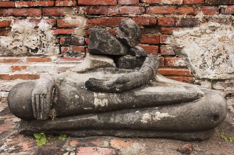 Повредите статую Будды в виске mahathat wat, Таиланде стоковое фото rf