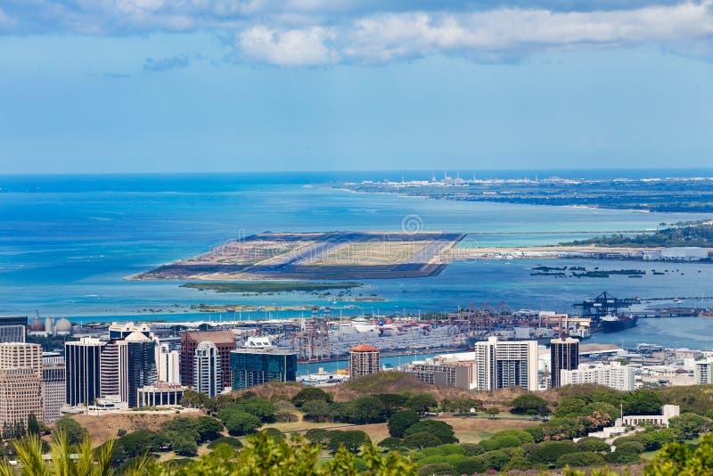 Повышенный взгляд международного аэропорта Гонолулу стоковое фото rf