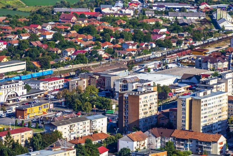 Повышенный вид на город в Deva, Румынии стоковые фотографии rf