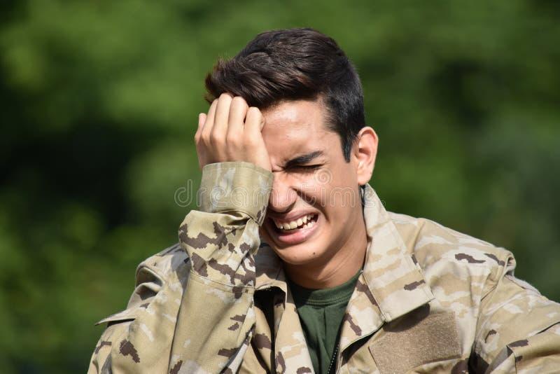 Подавленный мужской солдат стоковая фотография