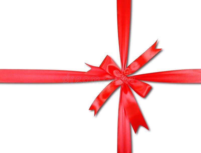 Подарки, покупки и настоящий момент - подарочная коробка связана вверх красным смычком i стоковые фотографии rf