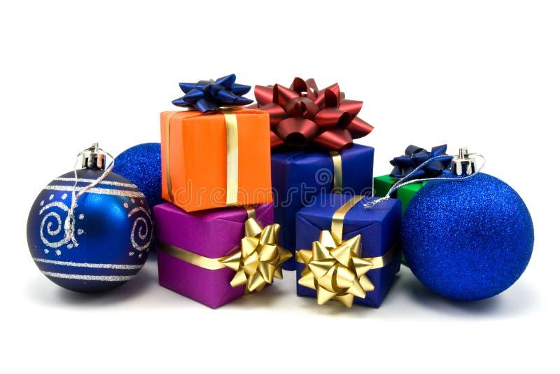 подарки рождества baubles голубые стоковая фотография rf