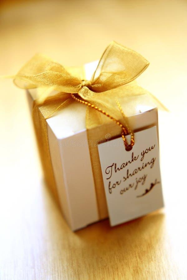 подарок благодарит вас стоковые изображения rf