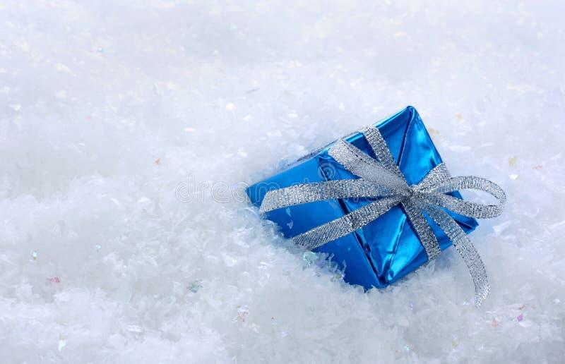 подарок голубой коробки стоковая фотография