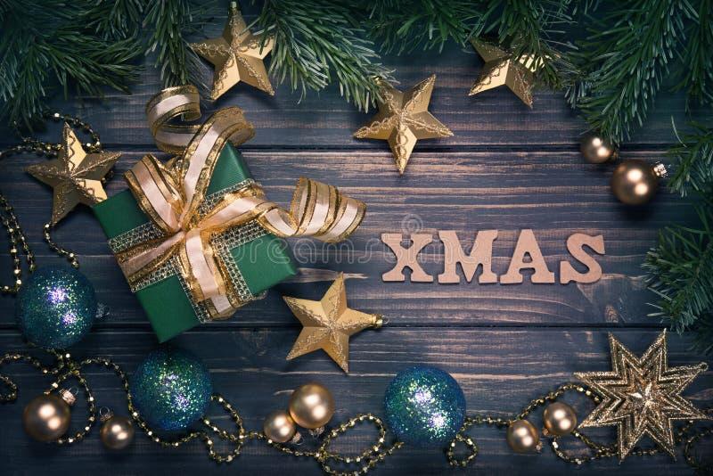 Подарок на рождество и украшения стоковые фотографии rf