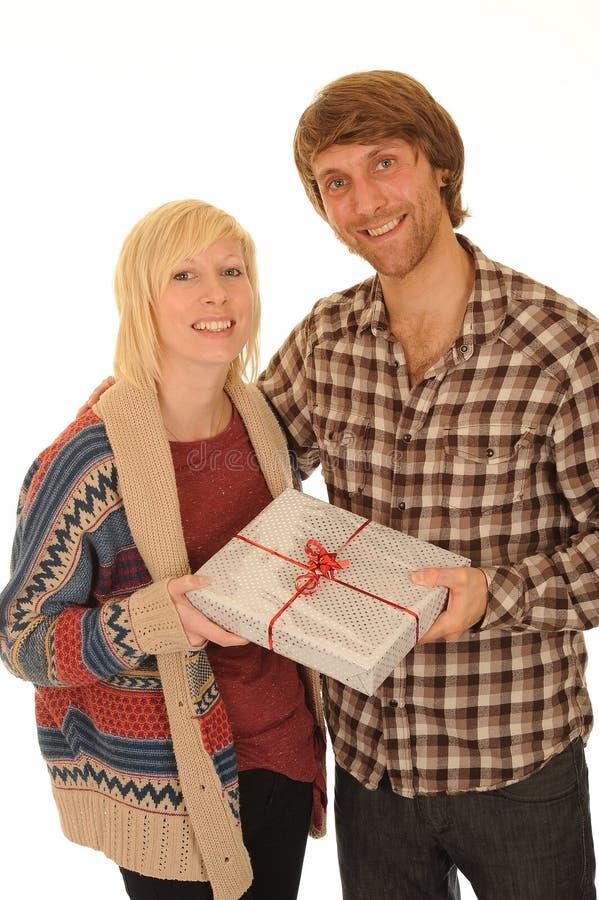 подарок пар счастливый стоковые фото