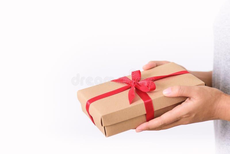 Подарочный ящик в наличии для выдачи стоковое изображение