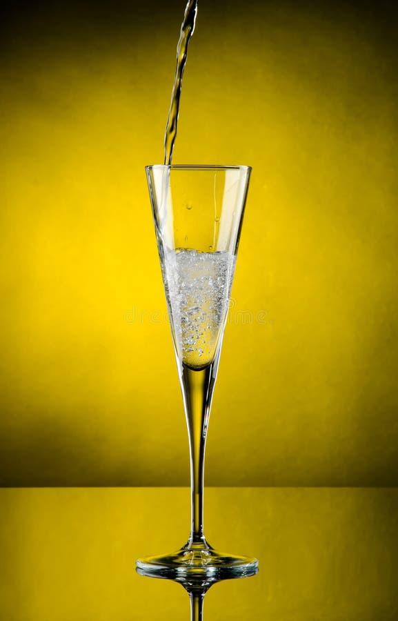 подачи шампанского стоковое фото