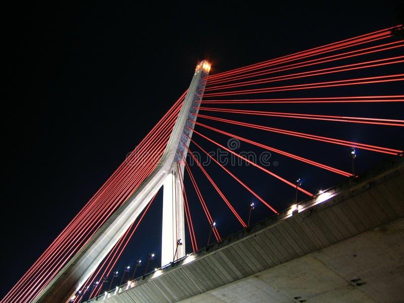 Download подвес ночи моста самомоднейший Стоковое Фото - изображение насчитывающей загоритесь, конкретно: 484890