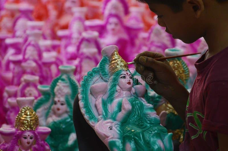 Подготавливать идол богини Lakshmi стоковые изображения