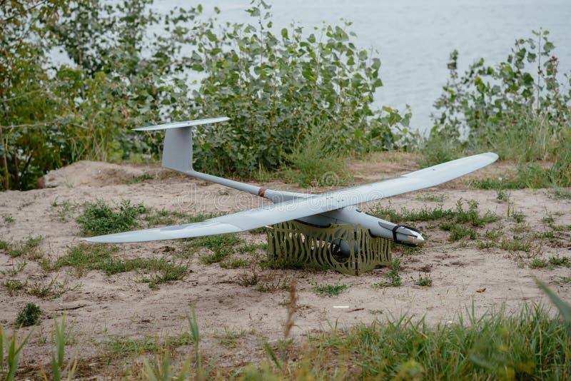 Подготавливать трутней армии для полета Aircra рекогносцировки стоковое фото rf