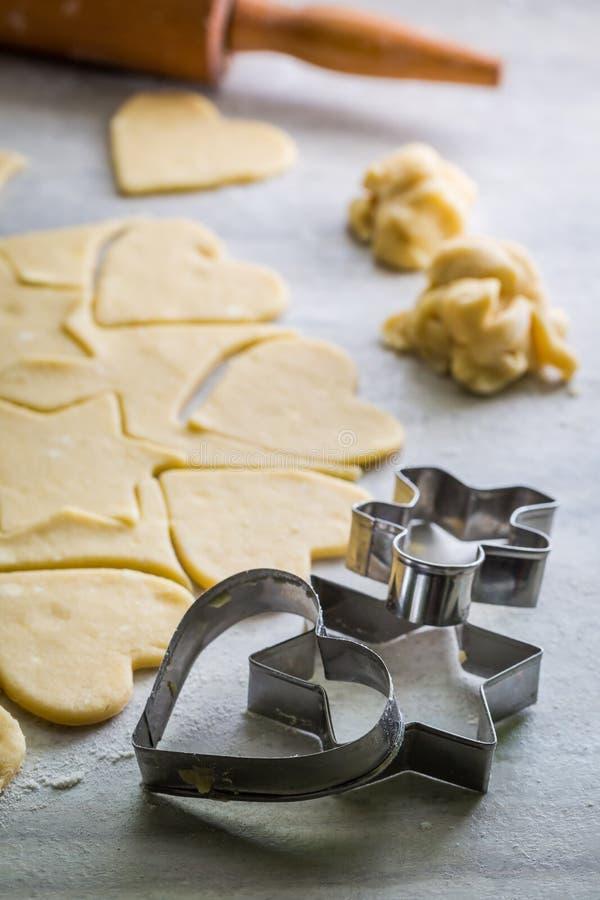 Подготовка для печь сладостные milky печенья стоковая фотография