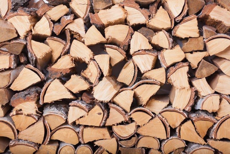 Подготовка швырка на зима Закройте вверх woodpile березы стоковое фото rf