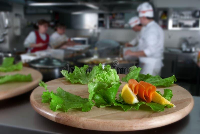 подготовлять еды доставки с обслуживанием стоковое изображение rf