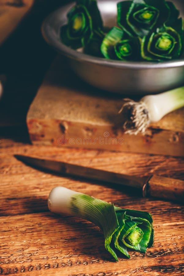 Подготовьте свежего лук-порея стоковая фотография rf