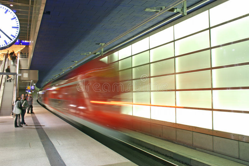 подземка potsdamer platz стоковое изображение rf