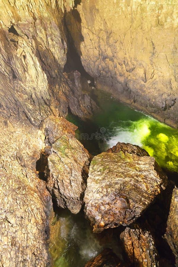 Подземные grottes стоковые изображения rf