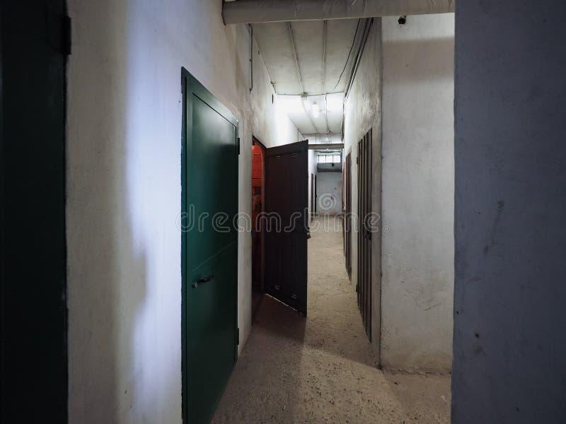 подземный коридор погребов стоковое фото rf