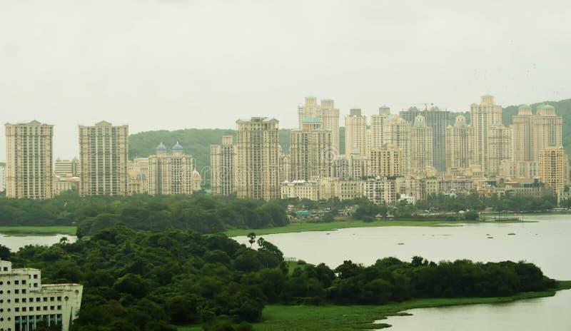 поднимать зданий зоны высокий урбанский стоковая фотография