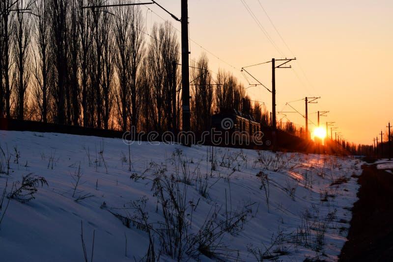 Поднимать солнца зимы стоковые фото