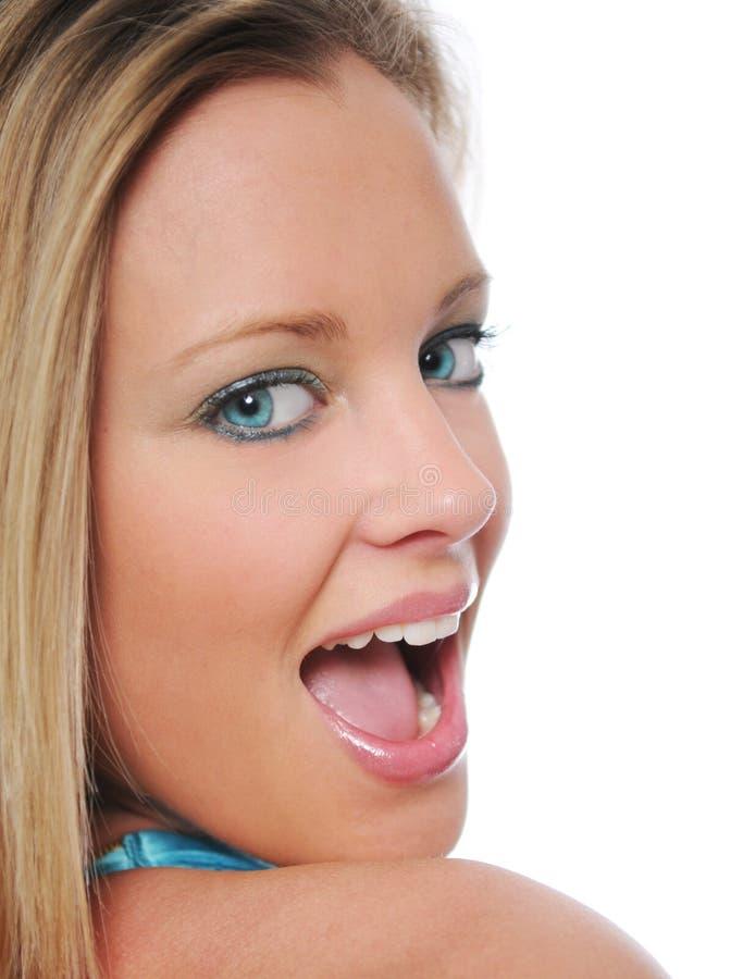 поднимающее вверх близкой девушки предназначенное для подростков стоковое фото
