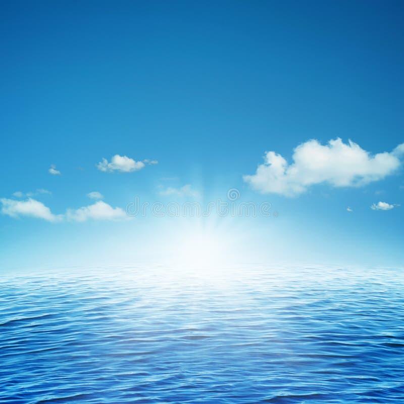 Поднимая солнце. стоковая фотография