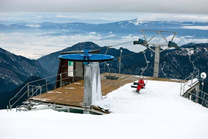 поднимите станцию лыжи стоковые изображения rf
