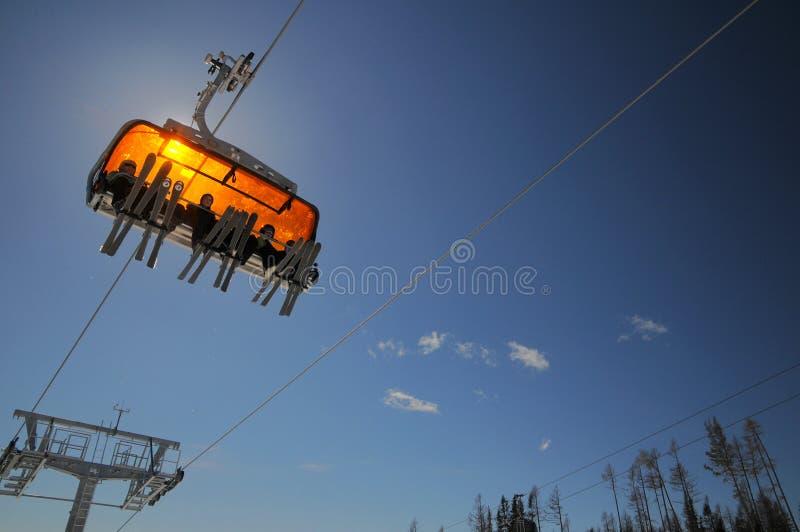 поднимите 6 лыжников стоковое изображение rf