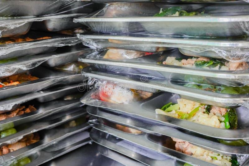 поднос еды для пациента стоковое изображение rf