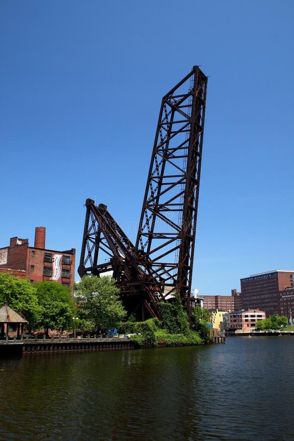 поднятая железная дорога cleveland Огайо моста стоковое фото