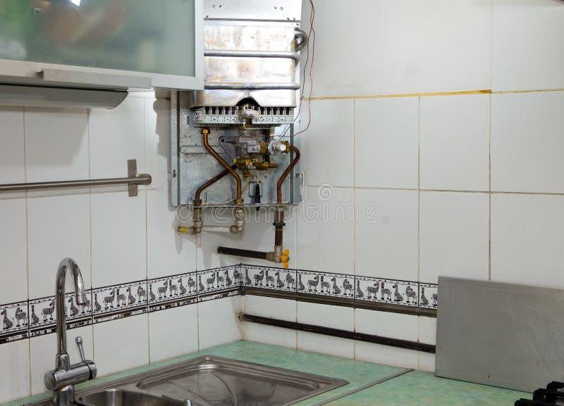 подогреватель газа ремонт под водой стоковые изображения rf