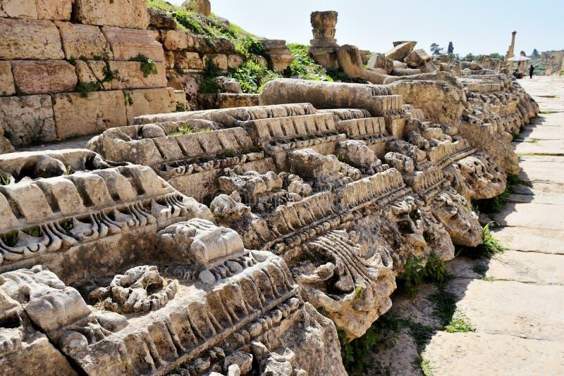 Подробности разрушенного греко-римского города в Иераше, Иордания стоковое изображение rf