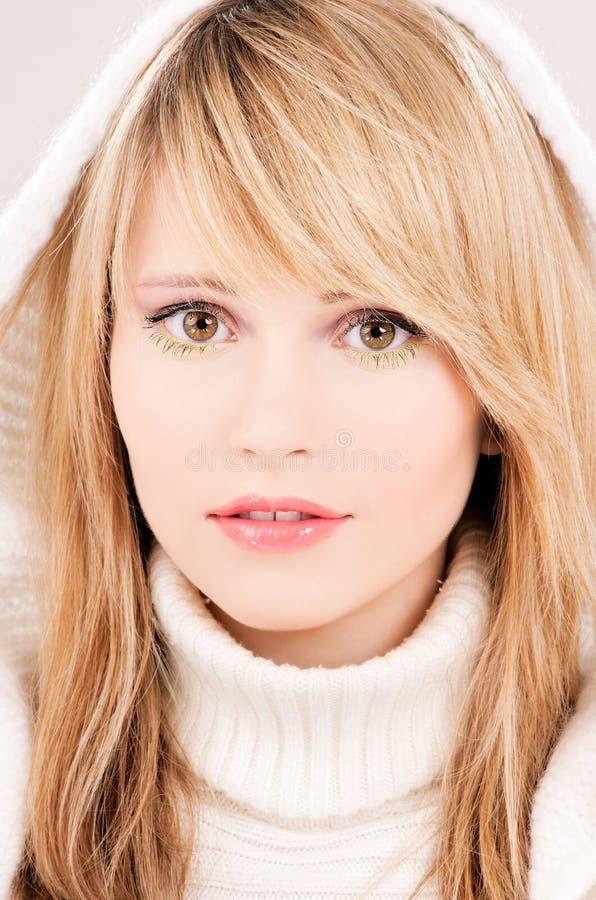 подростковое hoodie девушки симпатичное стоковое фото