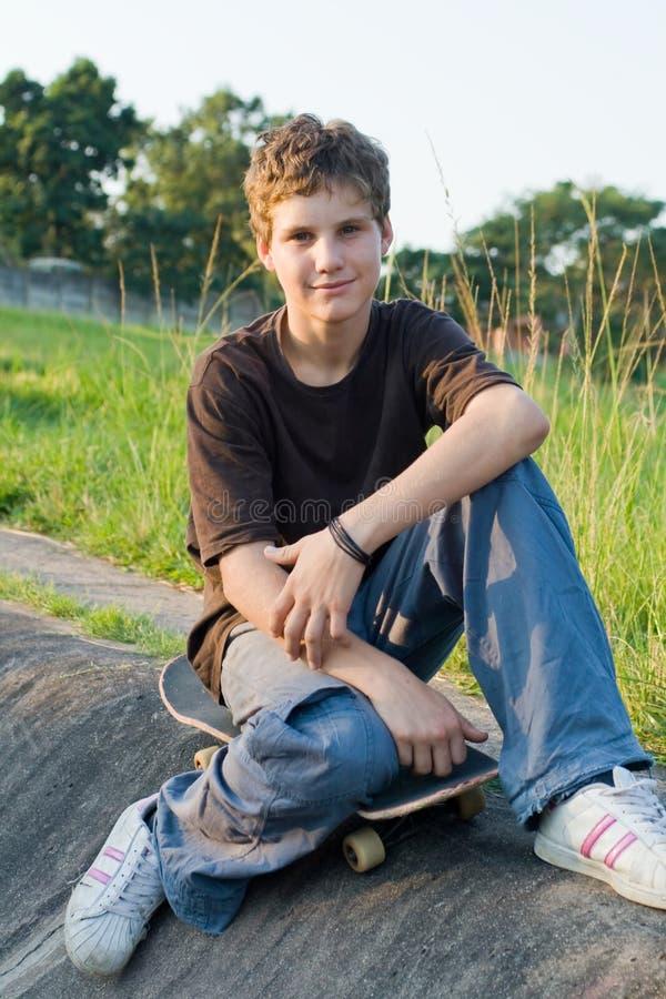подросток мальчика стоковая фотография rf