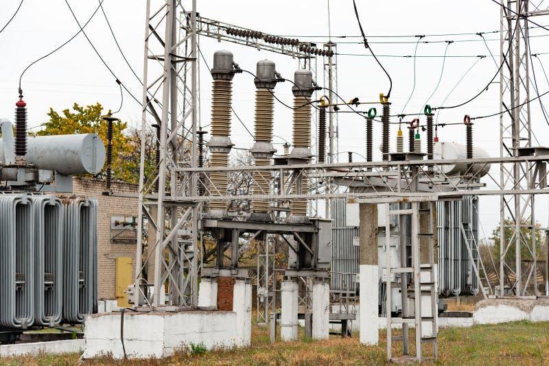 Подстанция трансформатора, высоковольтный switchgear и оборудование стоковые изображения rf