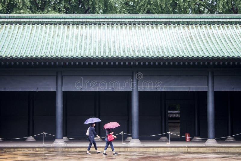 подъема японии зданий здания зодчества квартиры башня токио конкретного стеклянного высокого самомоднейшего селитебного стальная  стоковые фотографии rf