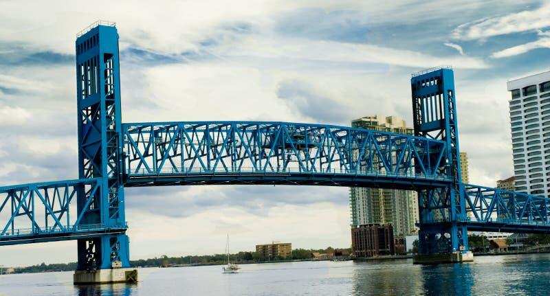 подъем моста стоковое фото
