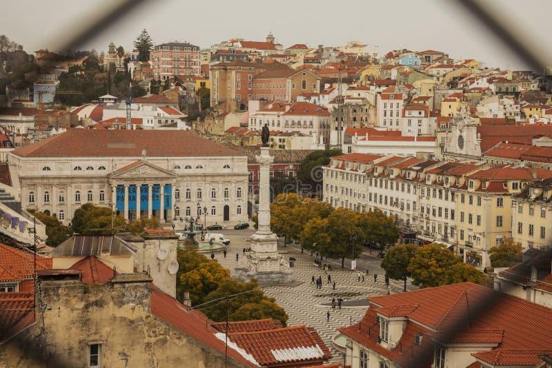 Подъем Санта Justa - взгляд города Лиссабона, Португалии стоковые фотографии rf