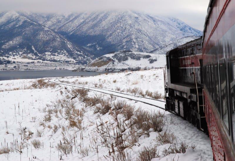 поезд берега озера стоковое фото