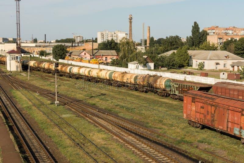 Поезд груза железнодорожный вокзал стоковые фото