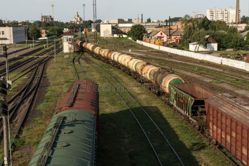Поезд груза железнодорожный вокзал стоковая фотография rf