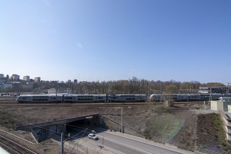 Поезд на центральном вокзале следа причаливая стоковые изображения